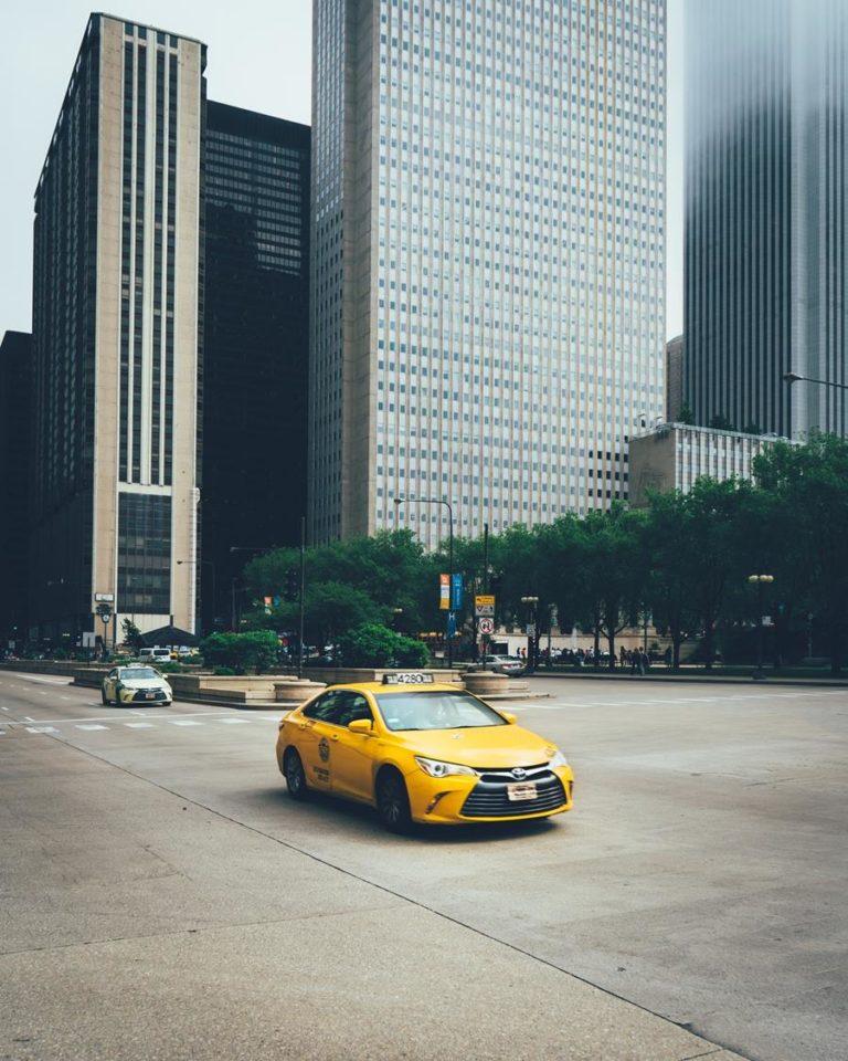 Dlaczego warto skorzystać z taksówki